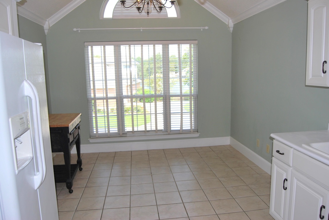 View Slide 14 for listing 9041288