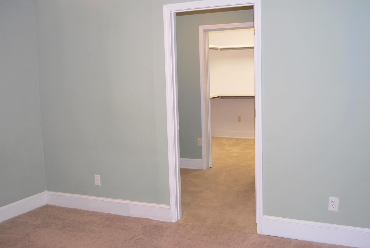 View Slide 24 for listing 9041288
