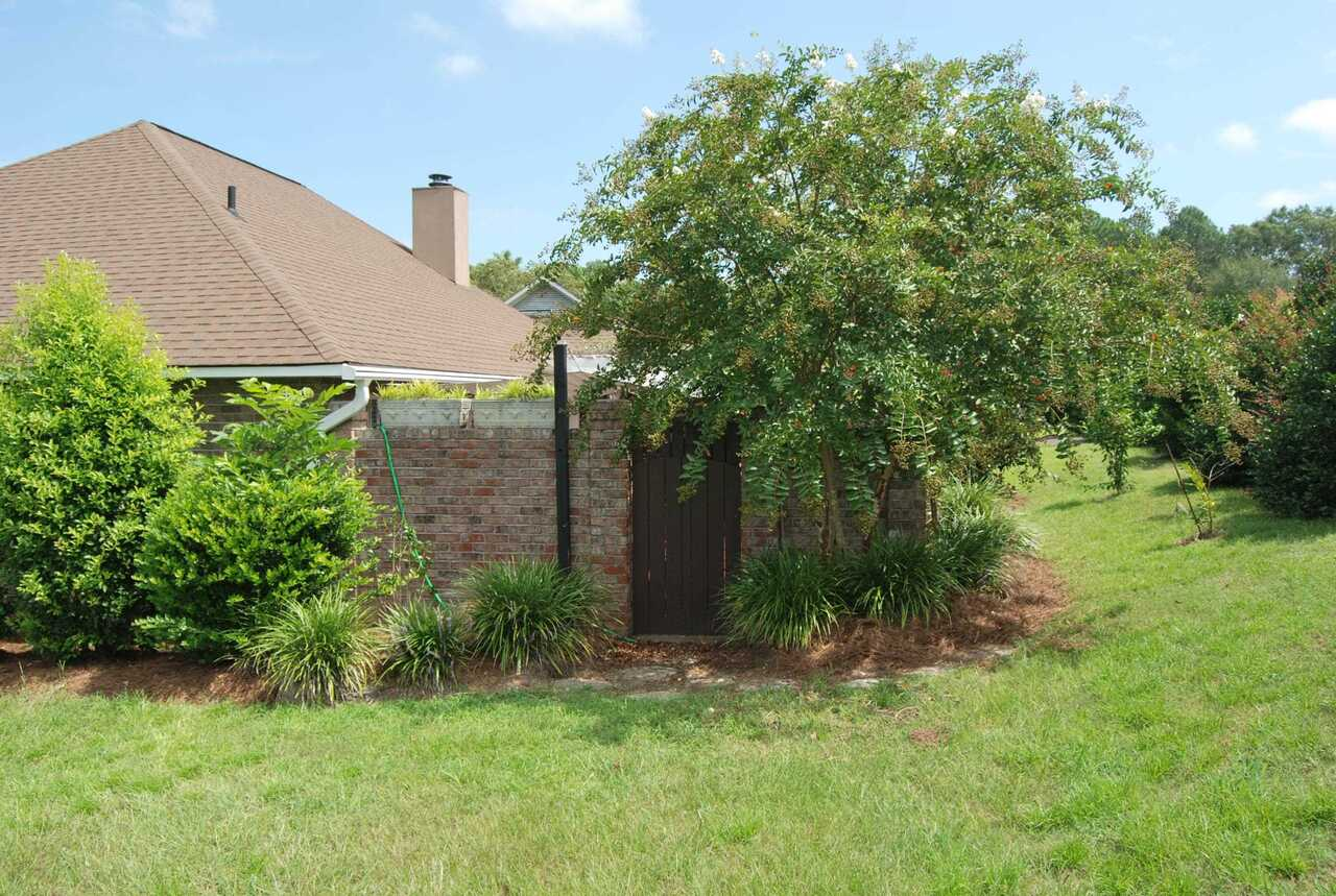 View Slide 32 for listing 9041288