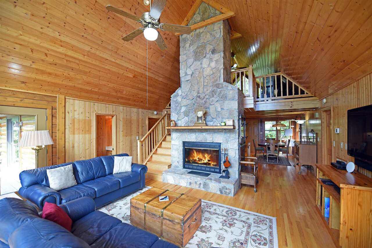 View Slide 10 for listing 8990789