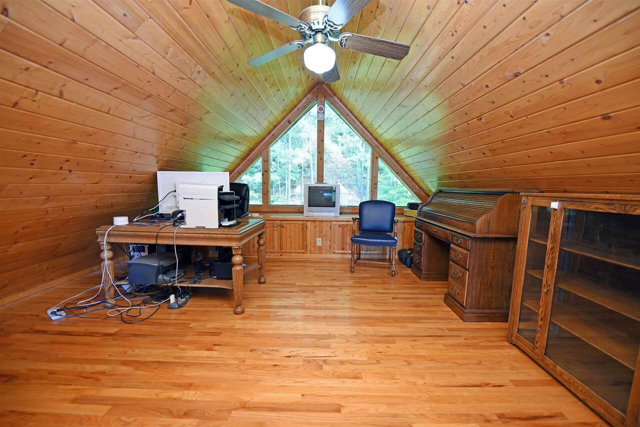 View Slide 28 for listing 8990789