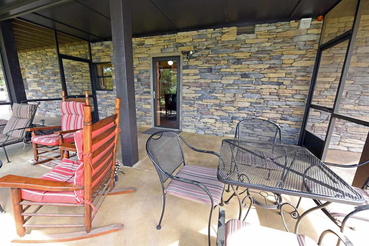 View Slide 36 for listing 8990789