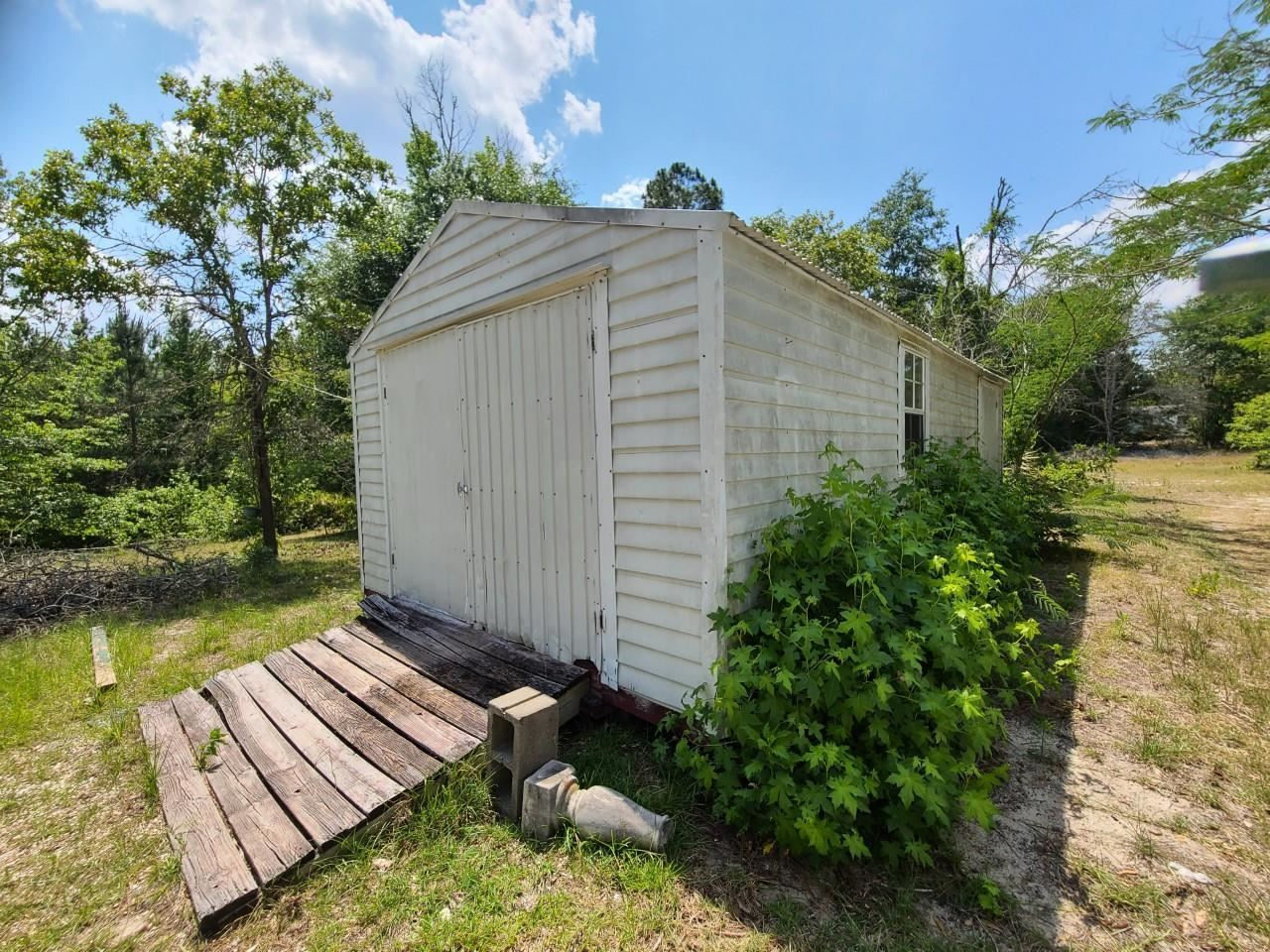 View Slide 13 for listing 8998611