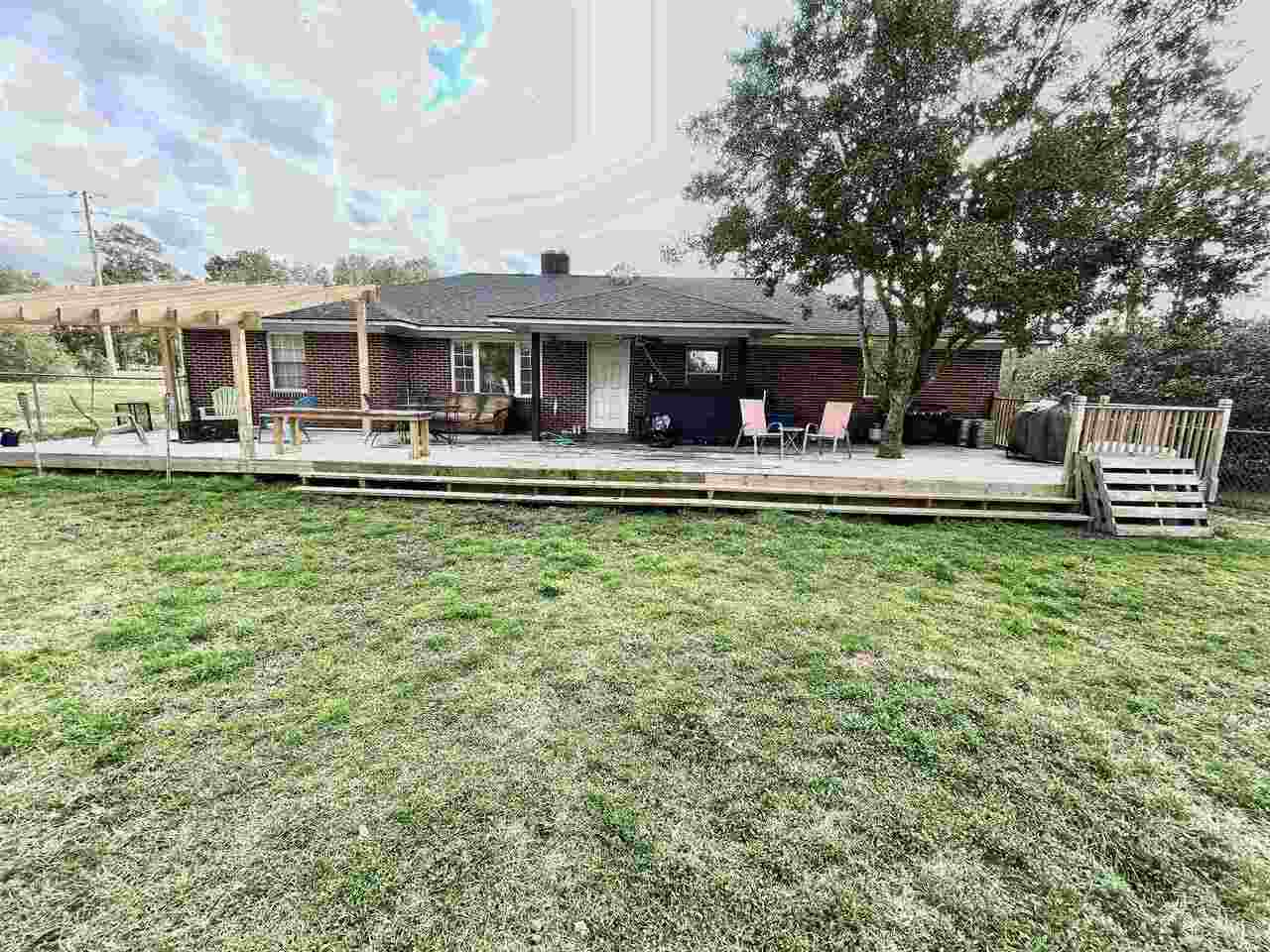 View Slide 26 for listing 9043695