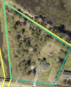 View Slide 36 for listing 9043695