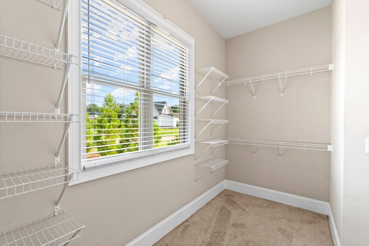 View Slide 35 for listing 9044167
