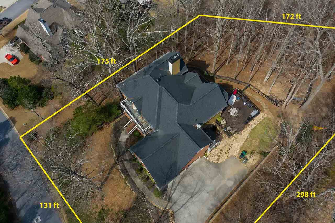 View Slide 2 for listing 9045935