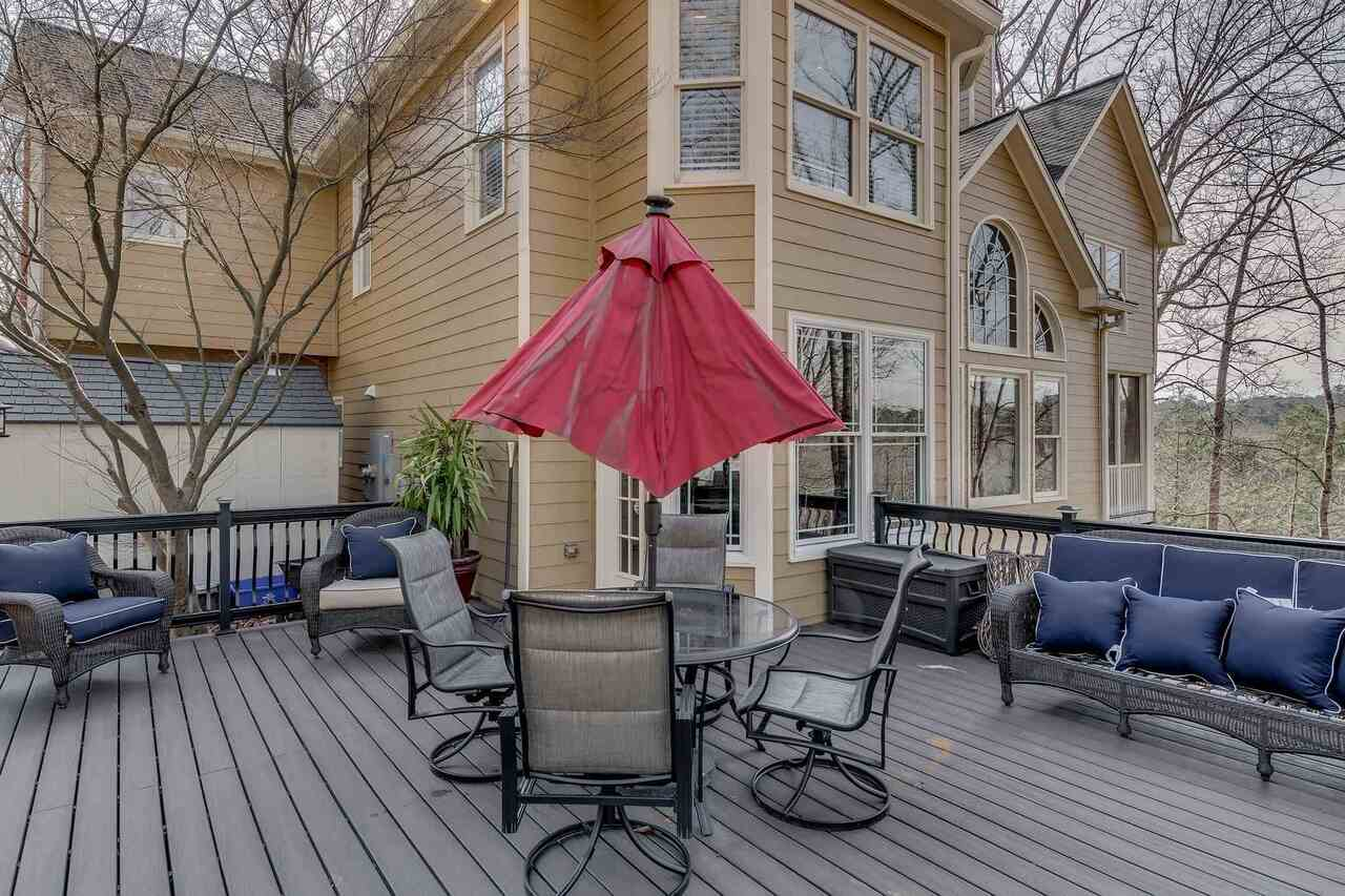 View Slide 35 for listing 9045935