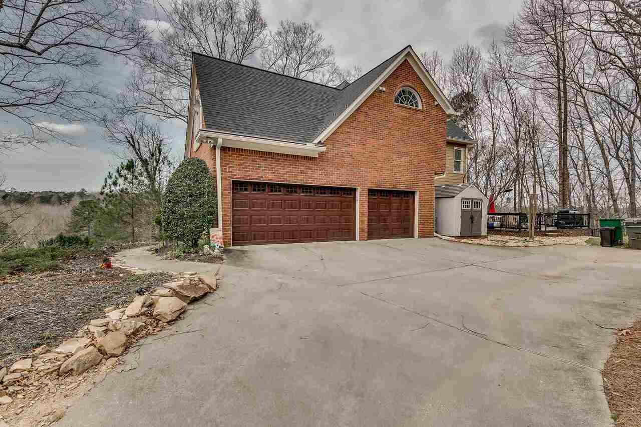 View Slide 5 for listing 9045935