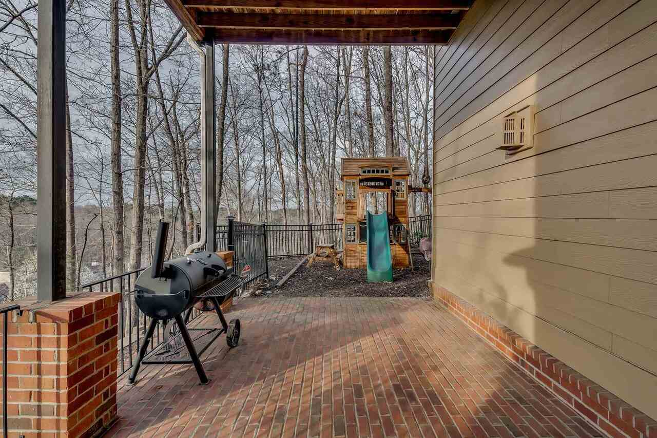 View Slide 73 for listing 9045935