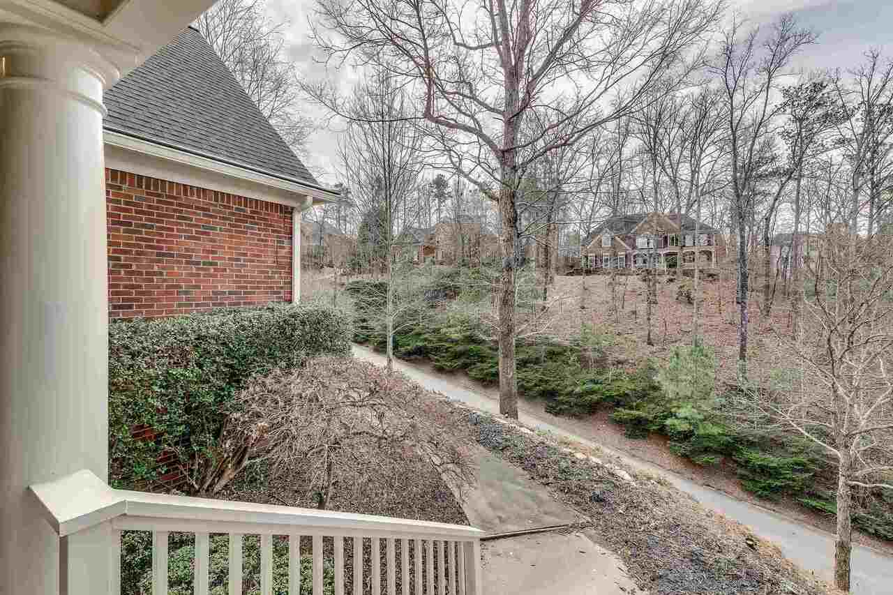 View Slide 9 for listing 9045935