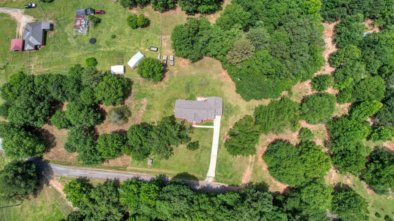 View Slide 10 for listing 9048245