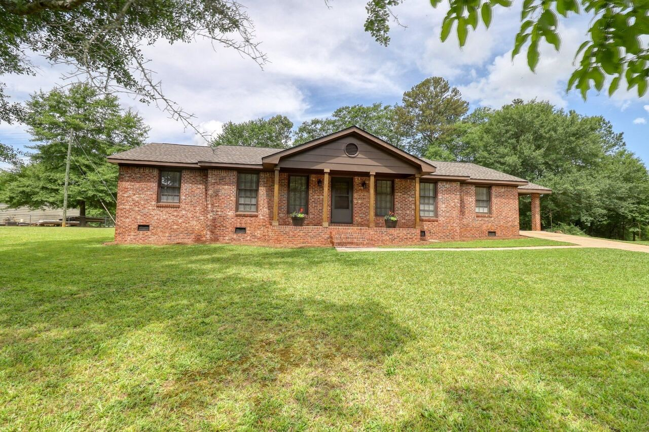 View Slide 1 for listing 9048245