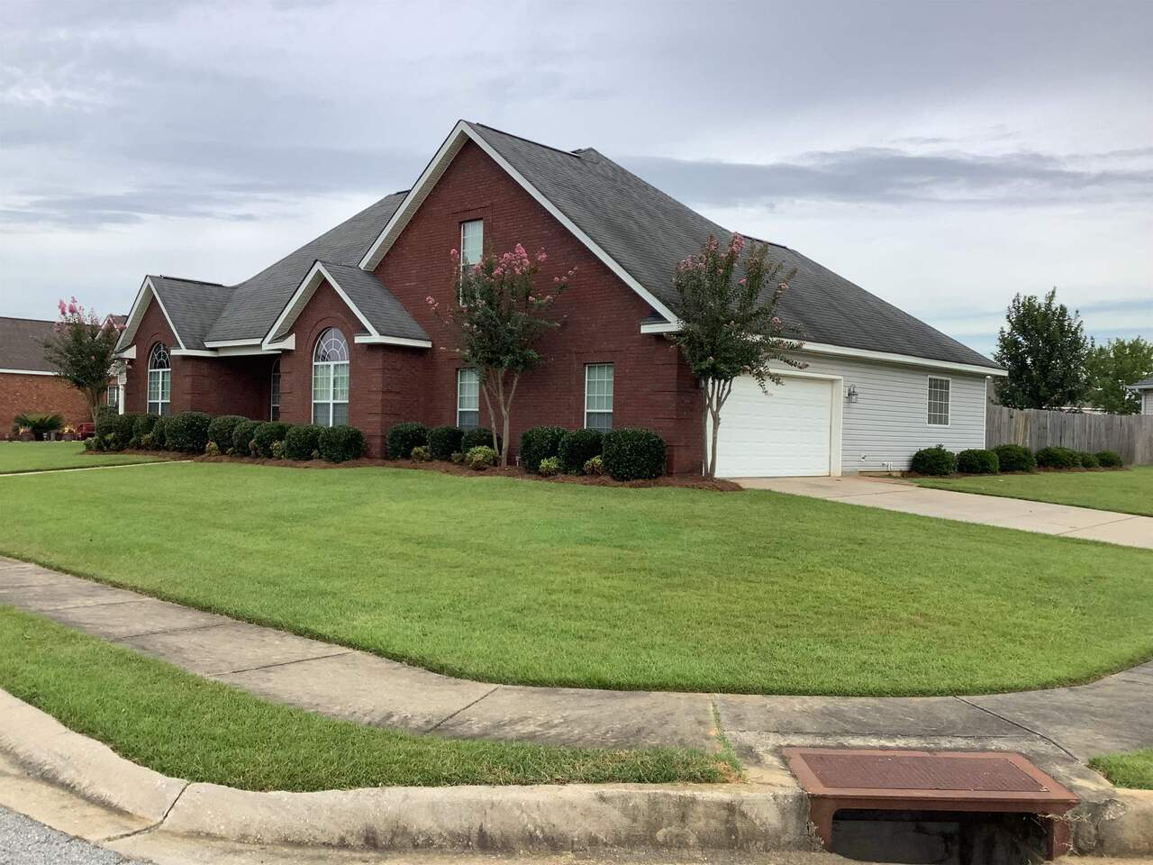 View Slide 4 for listing 9049143
