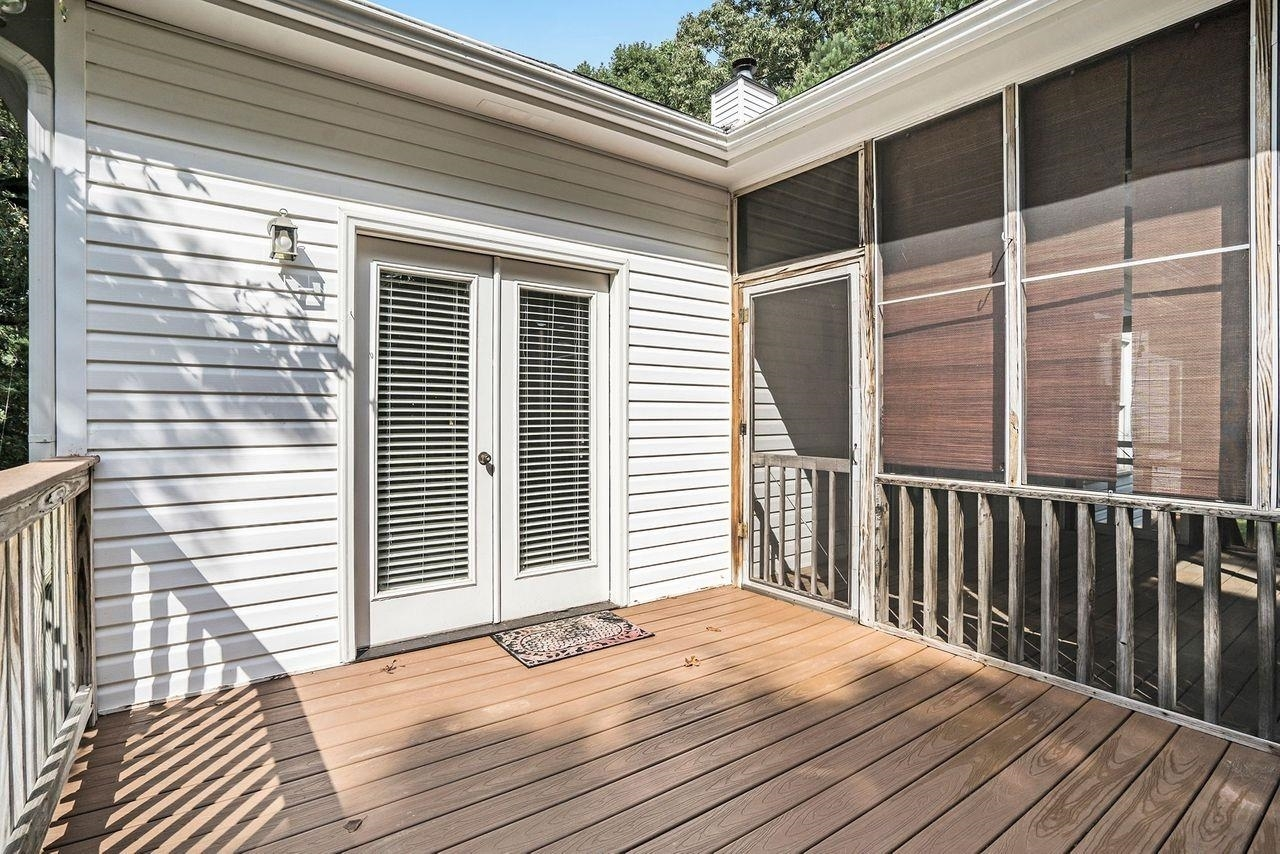 View Slide 38 for listing 9049741