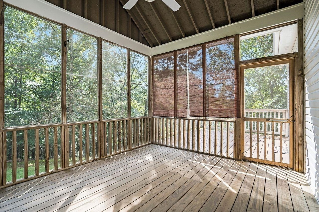 View Slide 39 for listing 9049741