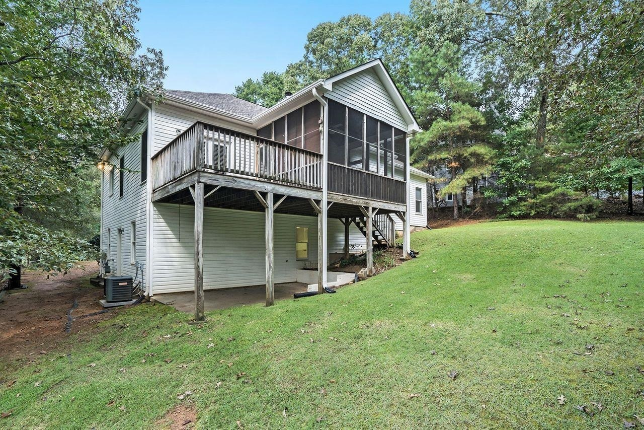 View Slide 42 for listing 9049741