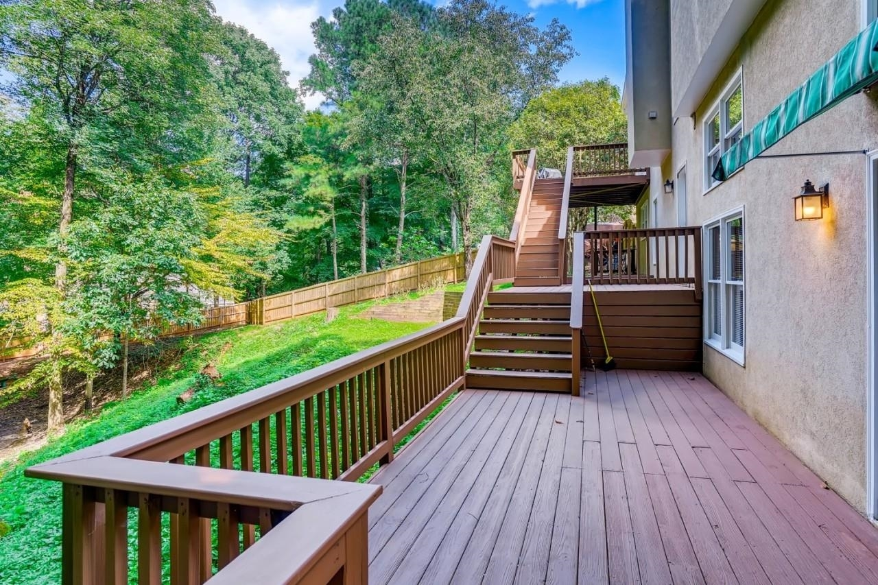 View Slide 49 for listing 9049847
