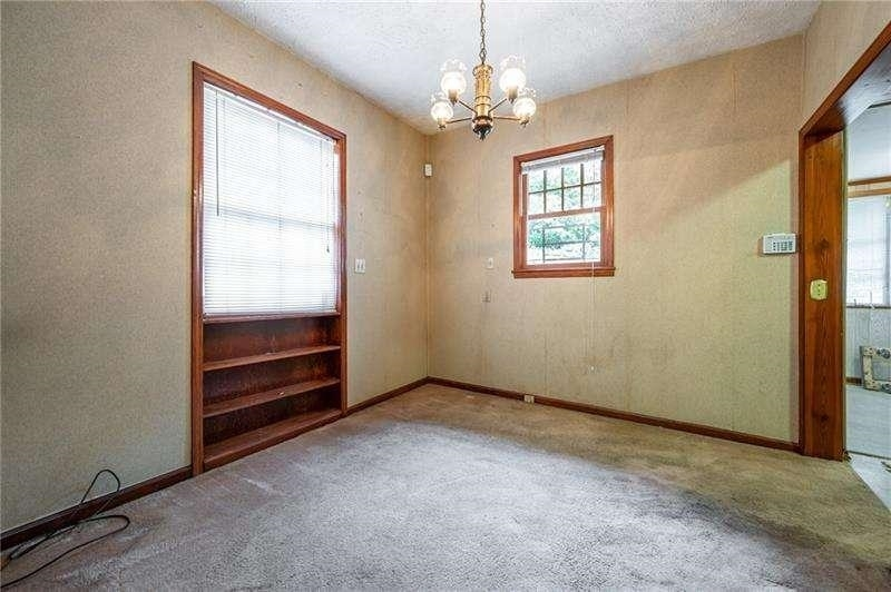 View Slide 10 for listing 9050441