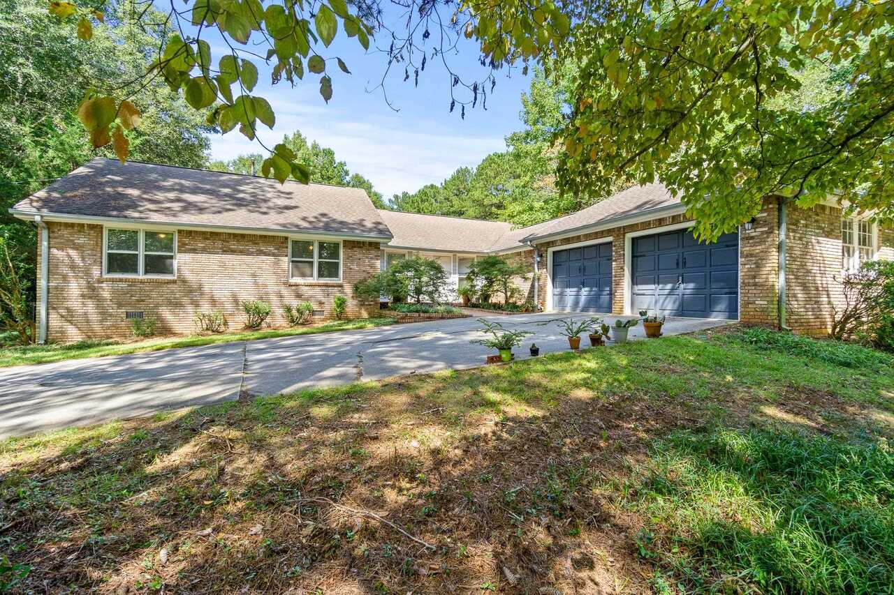 View Slide 0 for listing 9049389