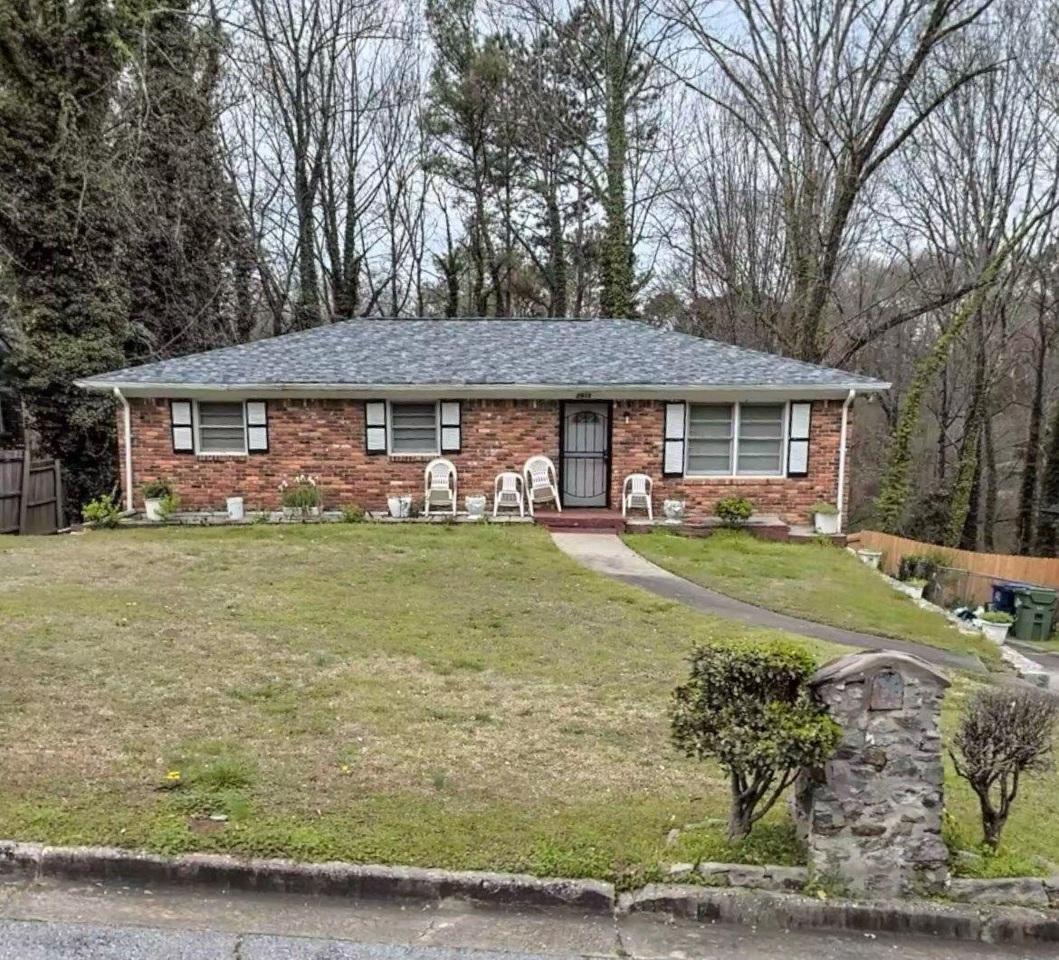 2915 River Ridge Dr, Atlanta GA 30354