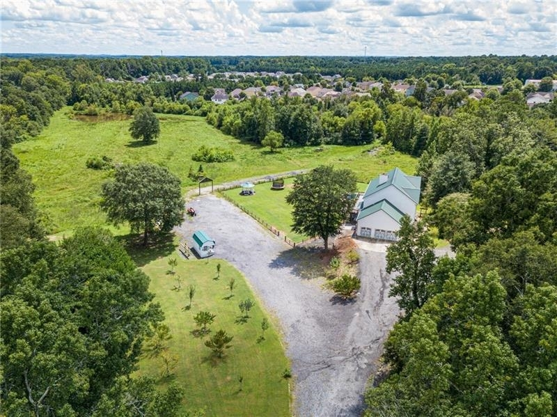 View Slide 2 for listing 9056496