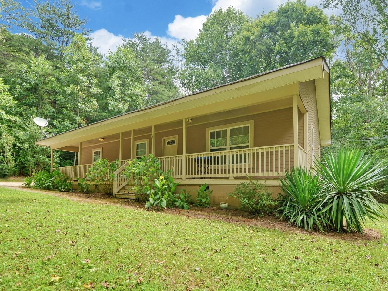 3120 Pierce Rd, Gainesville GA 30507