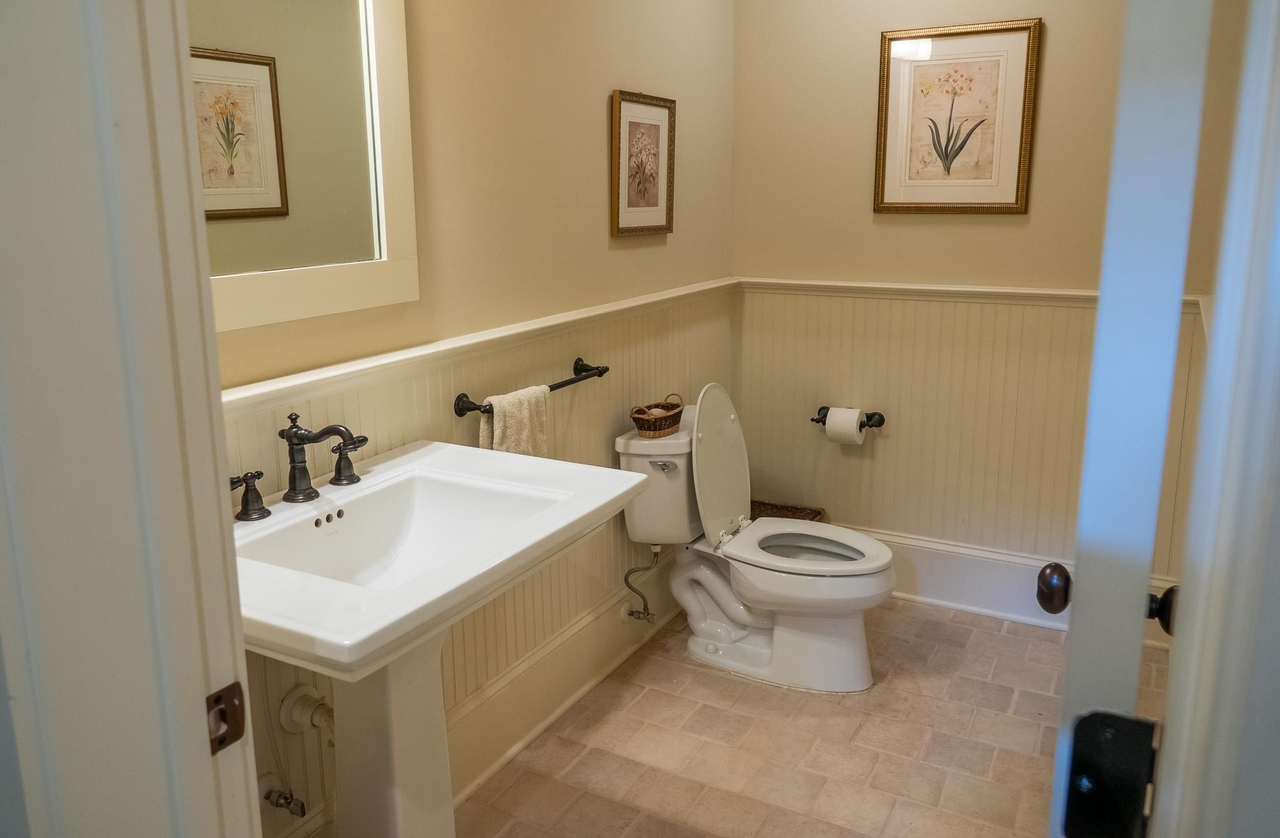 View Slide 33 for listing 9059092