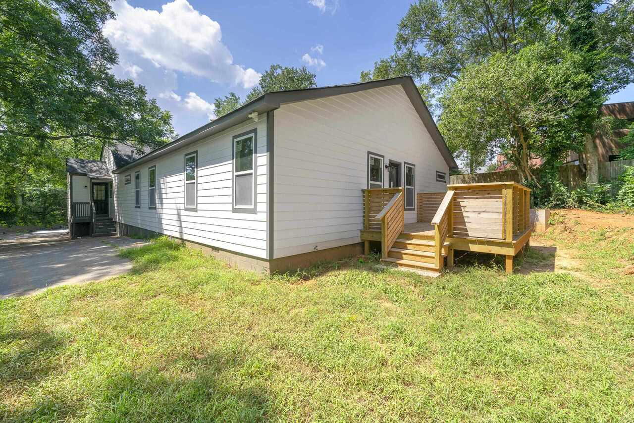 View Slide 43 for listing 9059702