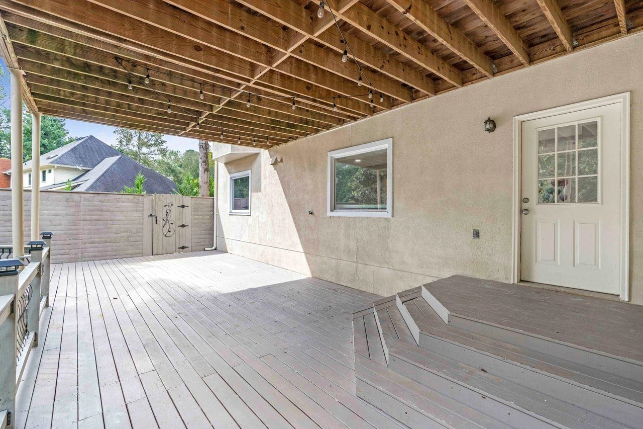View Slide 50 for listing 9060182