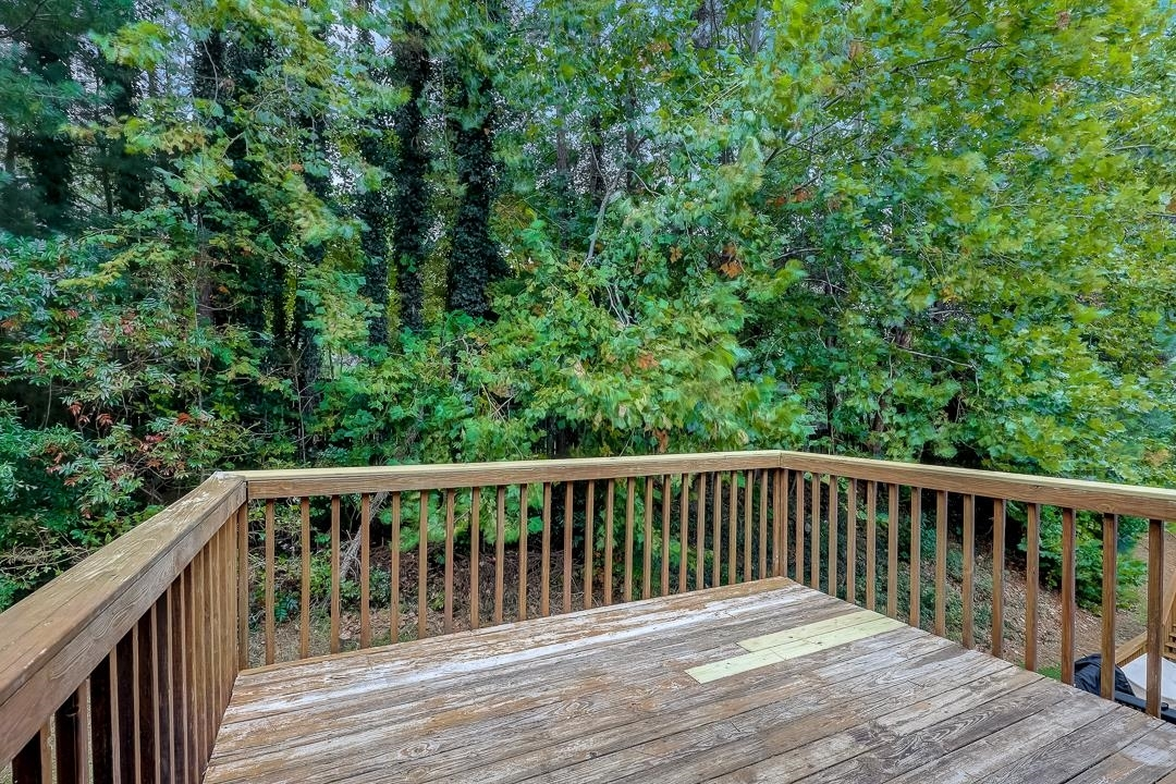 View Slide 30 for listing 9061606
