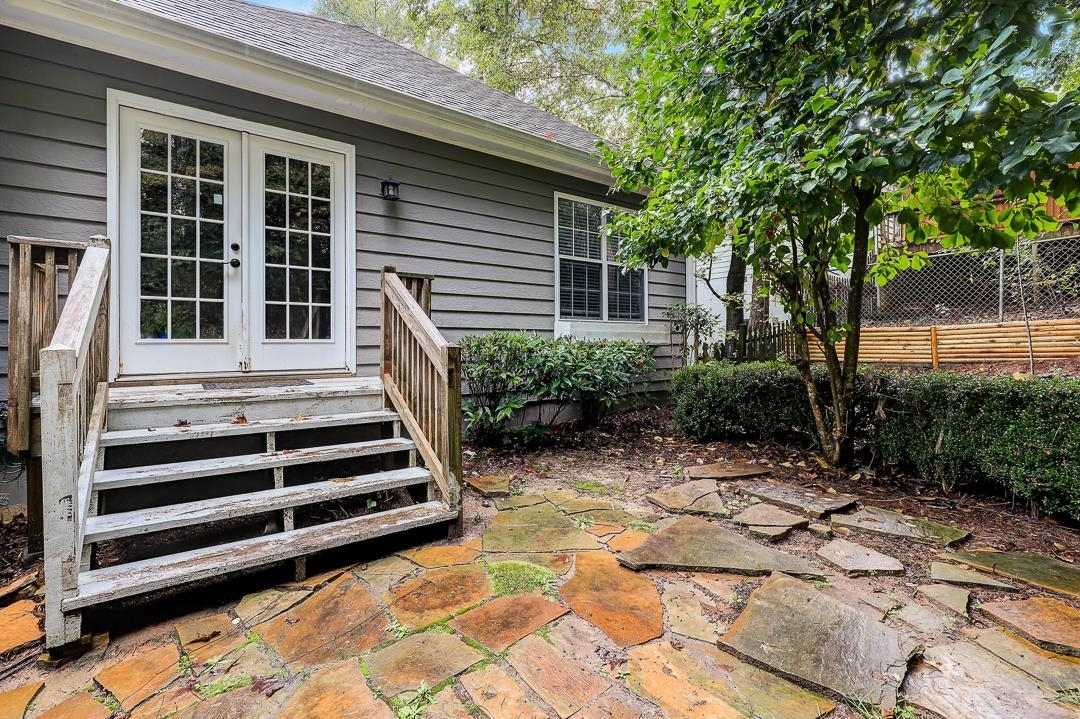 View Slide 25 for listing 9063405
