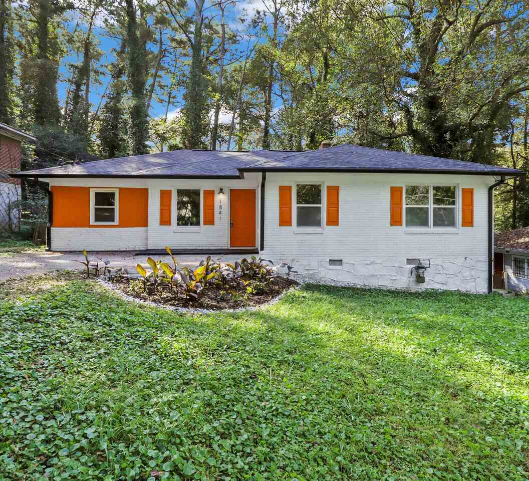 View Slide 0 for listing 9049773