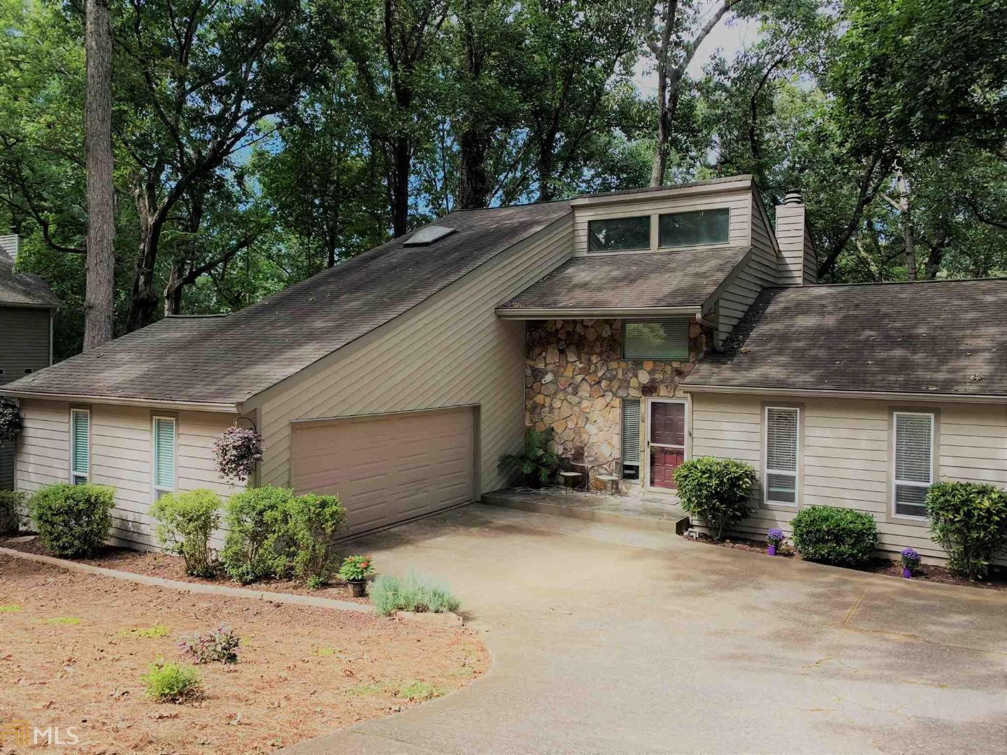View Slide 0 for listing 8864538