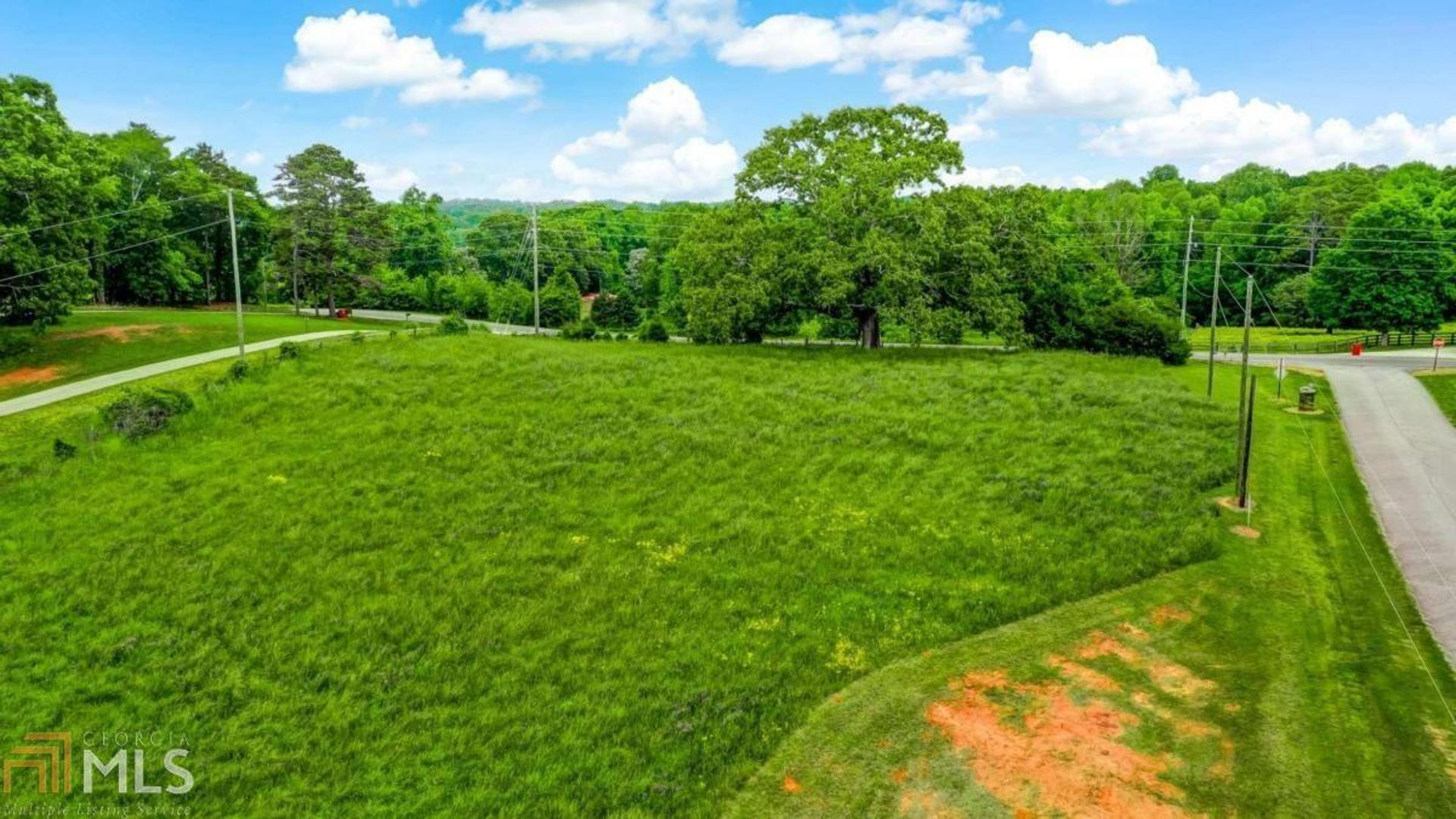 View Slide 8 for listing 8989711