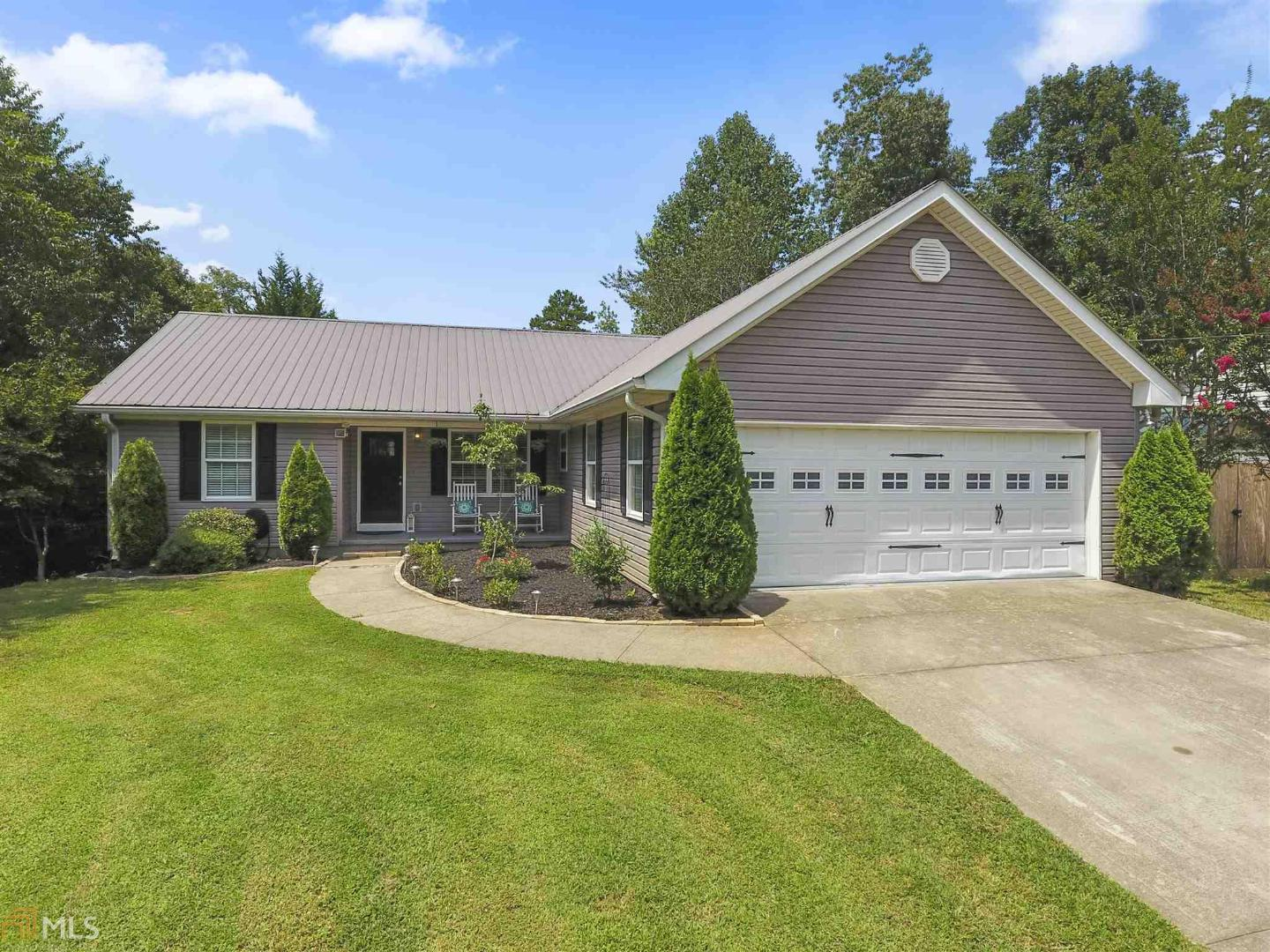 View Slide 0 for listing 8641275