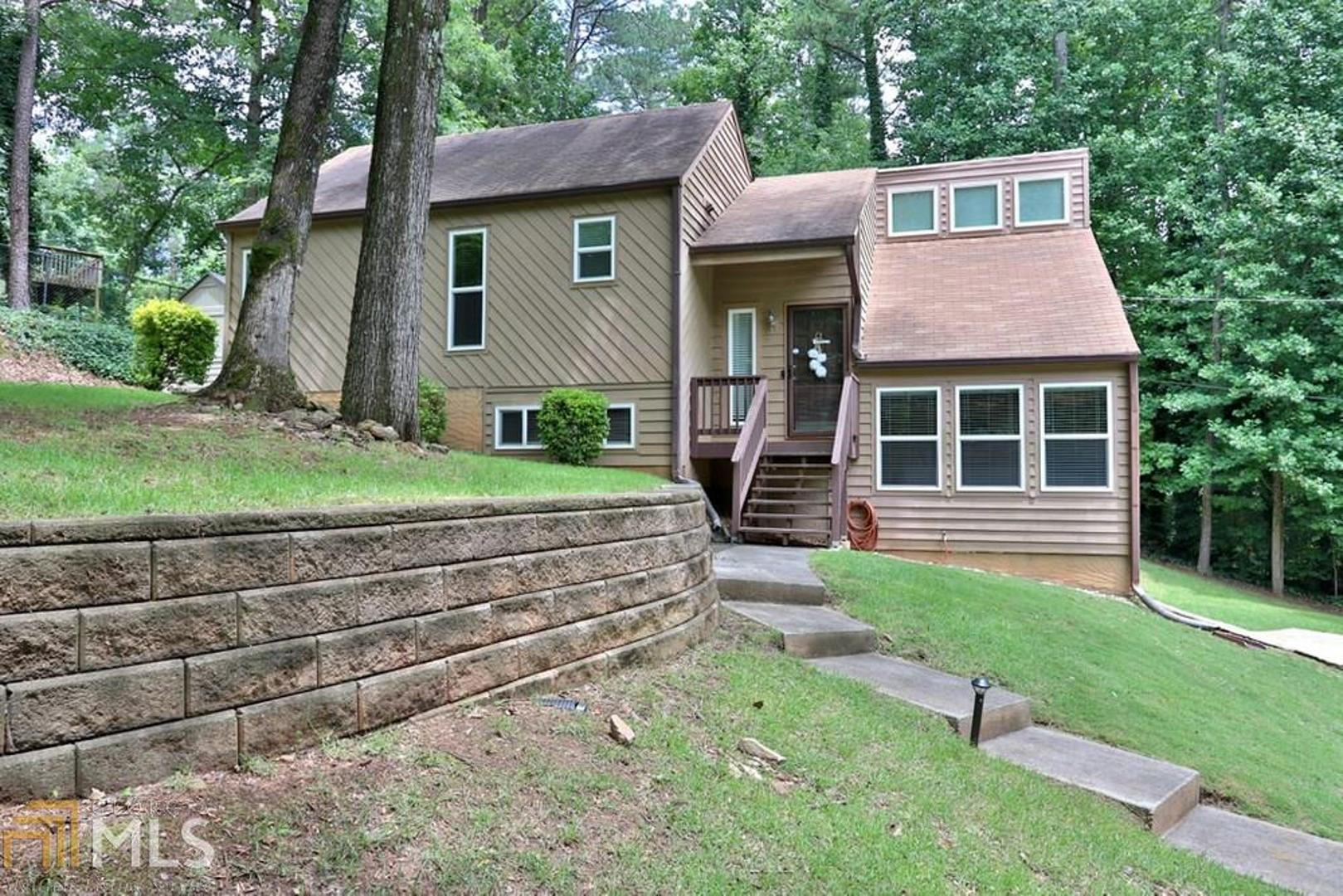 View Slide 0 for listing 8810118