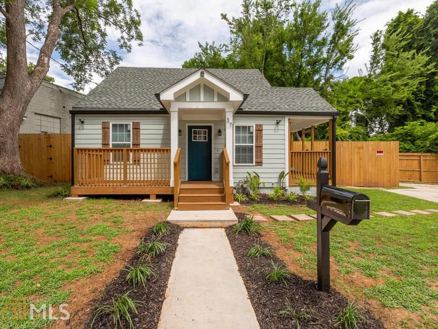 View Slide 0 for listing 8830633